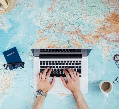 Article Writing For Travel Website: 5 Things Readers Want From Your Blog
